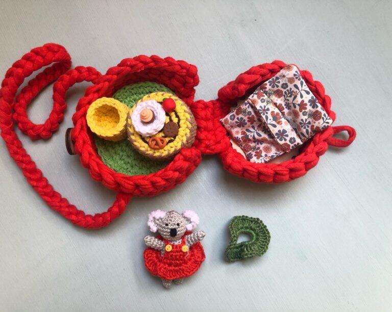 Kis mesebőrönd (1)